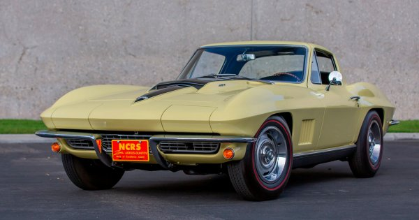 Numbers-matching 1967 Chevy Corvette L88 sells for almost $2.7M at Mecum auction