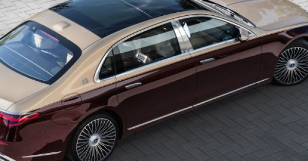 Von Hand lackiert und mit selbstöffnenden Türen : Maybach S-Klasse: Die Oberklassen-Limousine kommt im Ultra-Luxus-Segment an